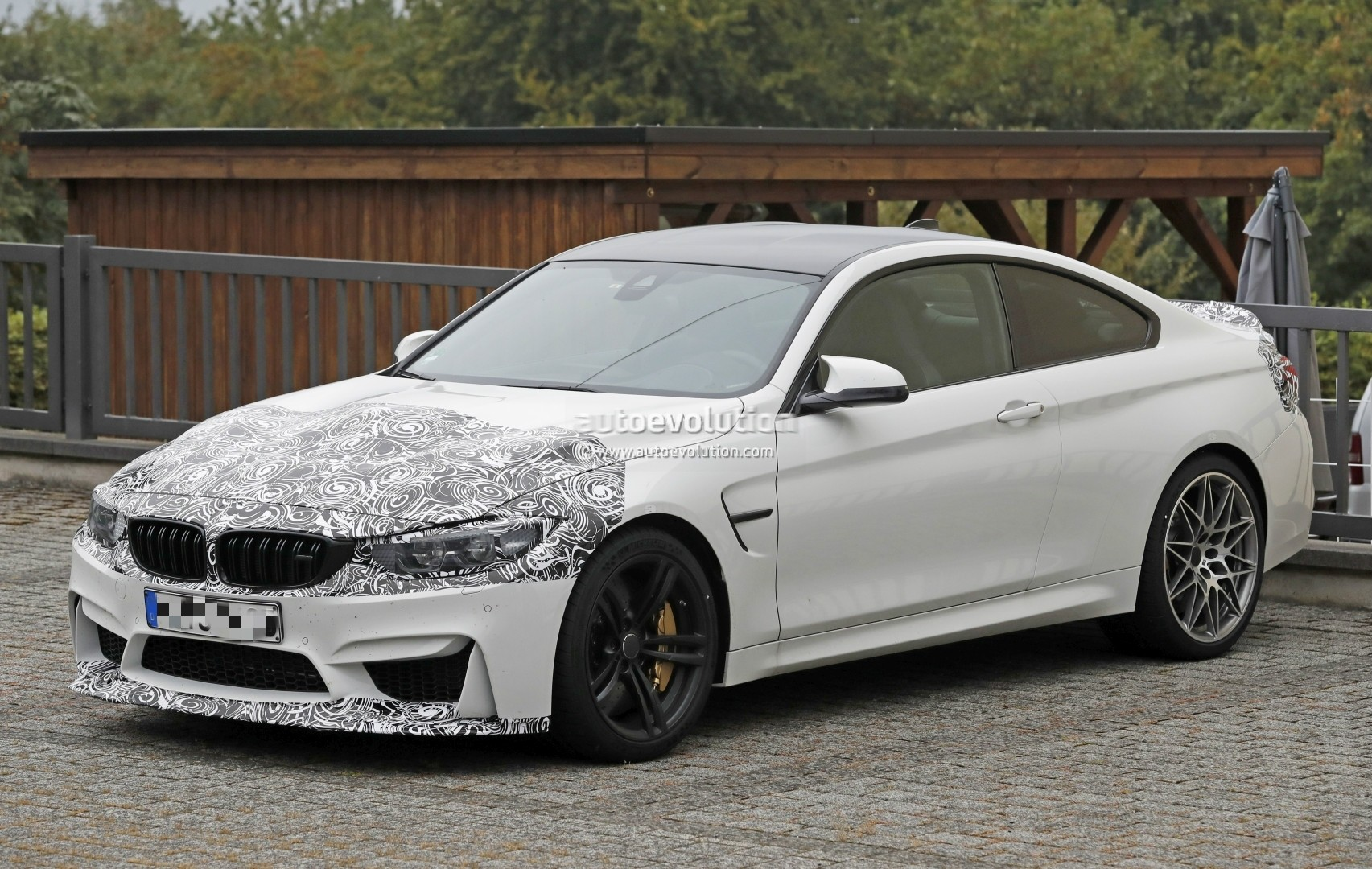 2018 Bmw M4 Facelift Cs Special Edition Spied Shows Aggressive Aerodynamics Autoevolution