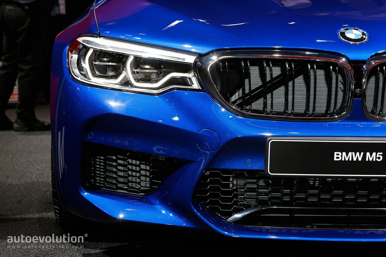 2018 BMW M5 Flaunts 600 HP, AWD and Frozen Red Paint ...