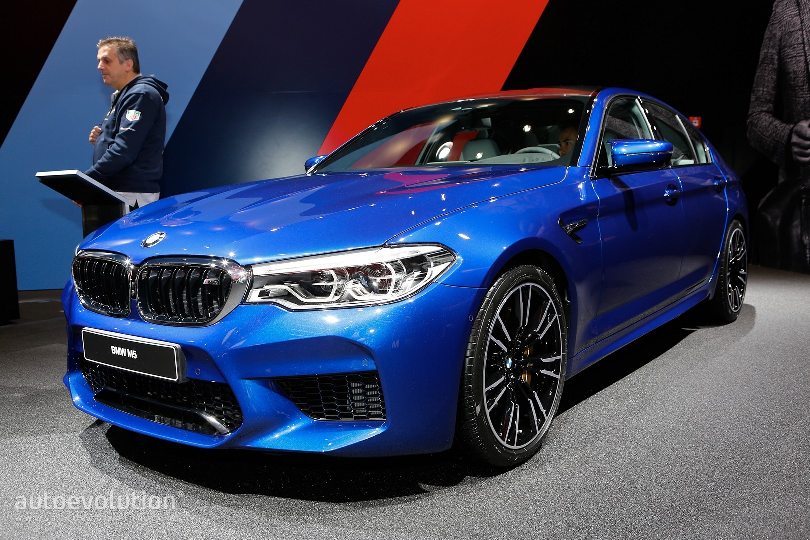 2018 Bmw M5 Flaunts 600 Hp Awd And Frozen Red Paint Autoevolution
