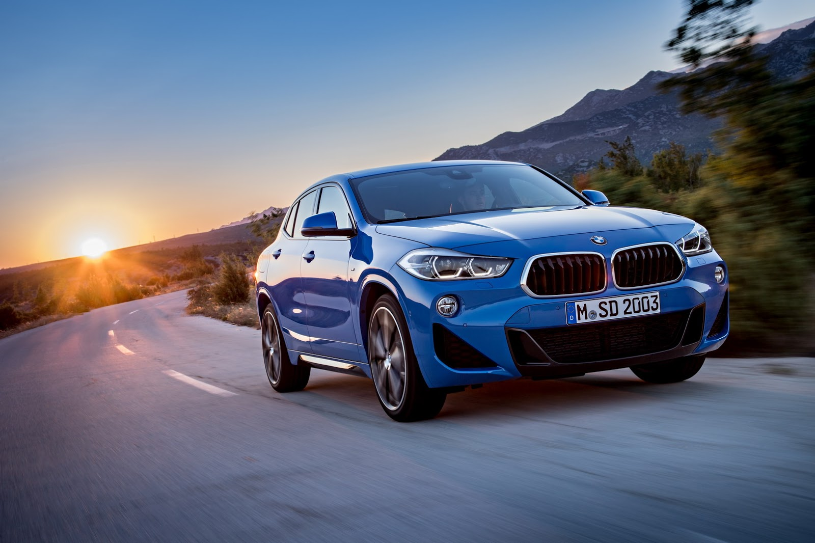 2018 bmw x2 f39 goes official boasts head turning exterior design autoevolution. Black Bedroom Furniture Sets. Home Design Ideas