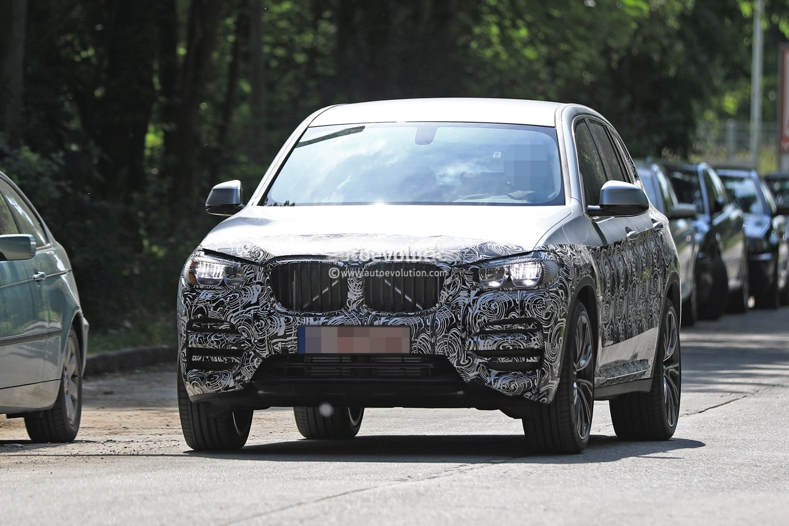2016 - [BMW] X3 [G01] - Page 6 2018-bmw-x3-prototype-reveals-more-styling-cues-unveiling-imminent_1