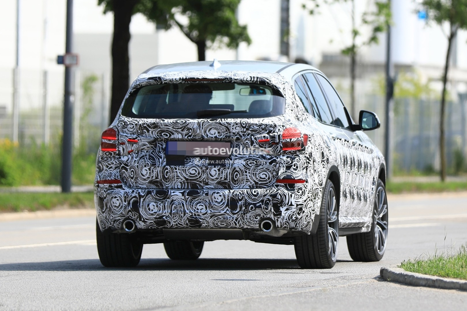 2016 - [BMW] X3 [G01] - Page 6 2018-bmw-x3-prototype-reveals-more-styling-cues-unveiling-imminent_11