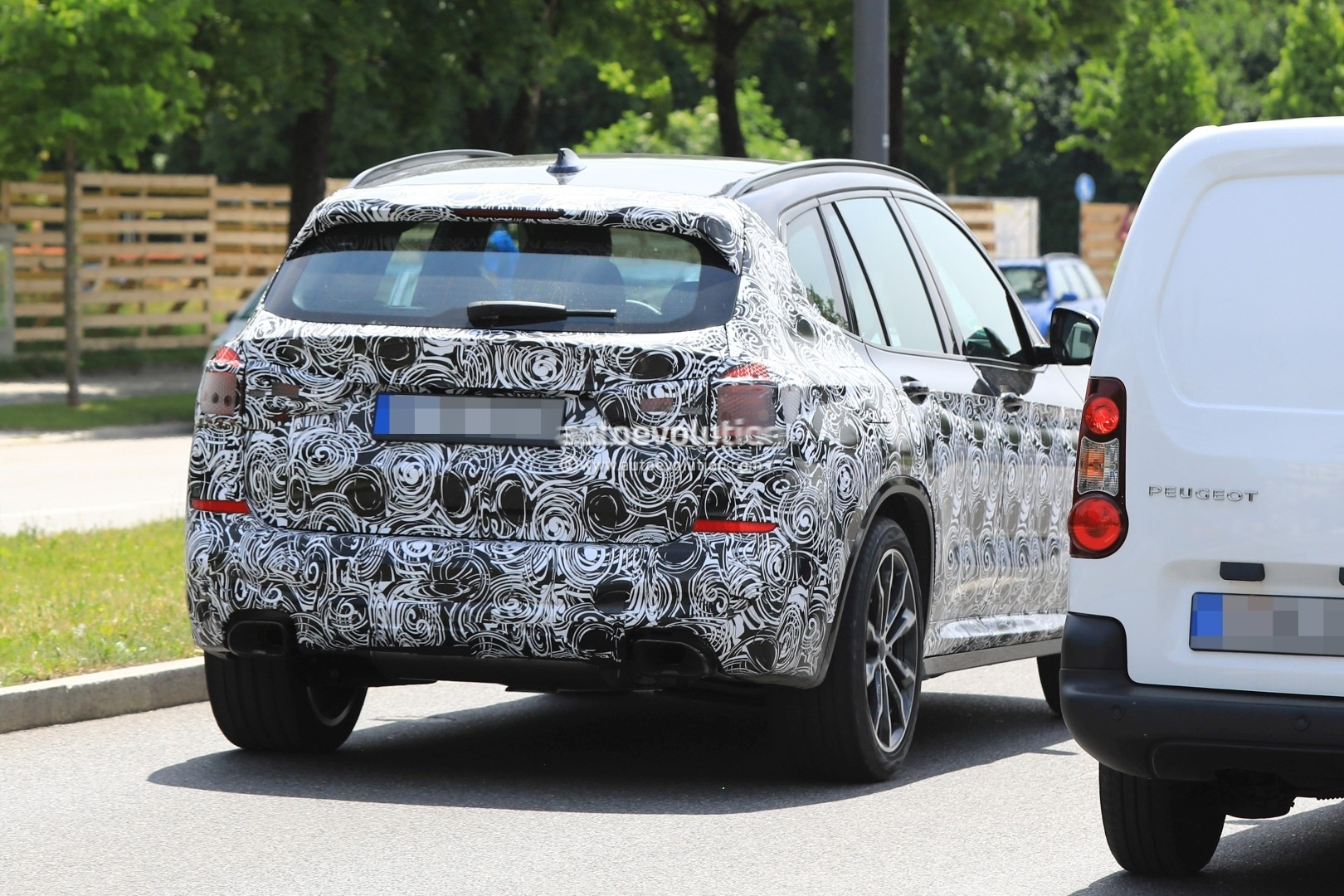 2016 - [BMW] X3 [G01] - Page 6 2018-bmw-x3-prototype-reveals-more-styling-cues-unveiling-imminent_13