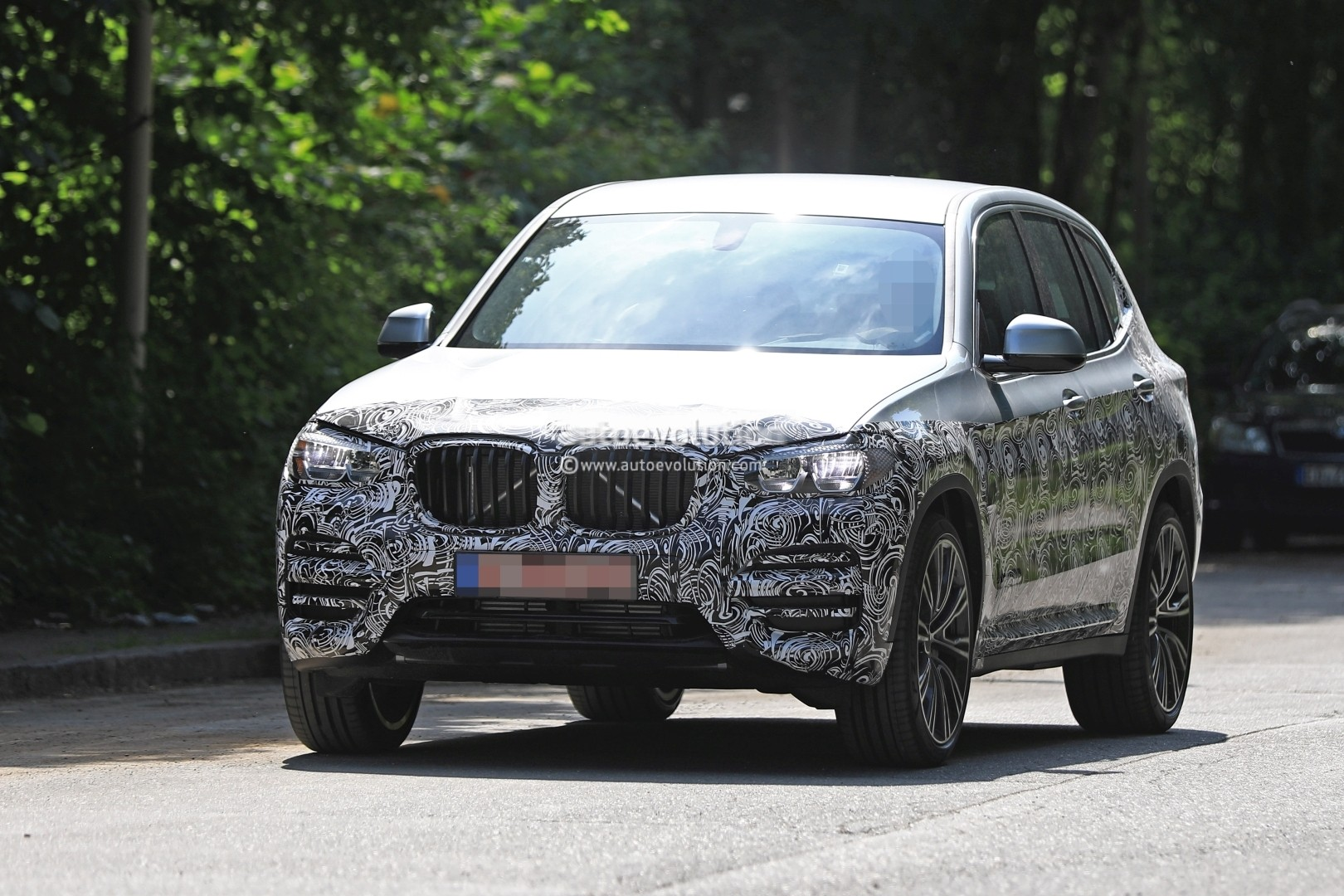 2016 - [BMW] X3 [G01] - Page 6 2018-bmw-x3-prototype-reveals-more-styling-cues-unveiling-imminent_2