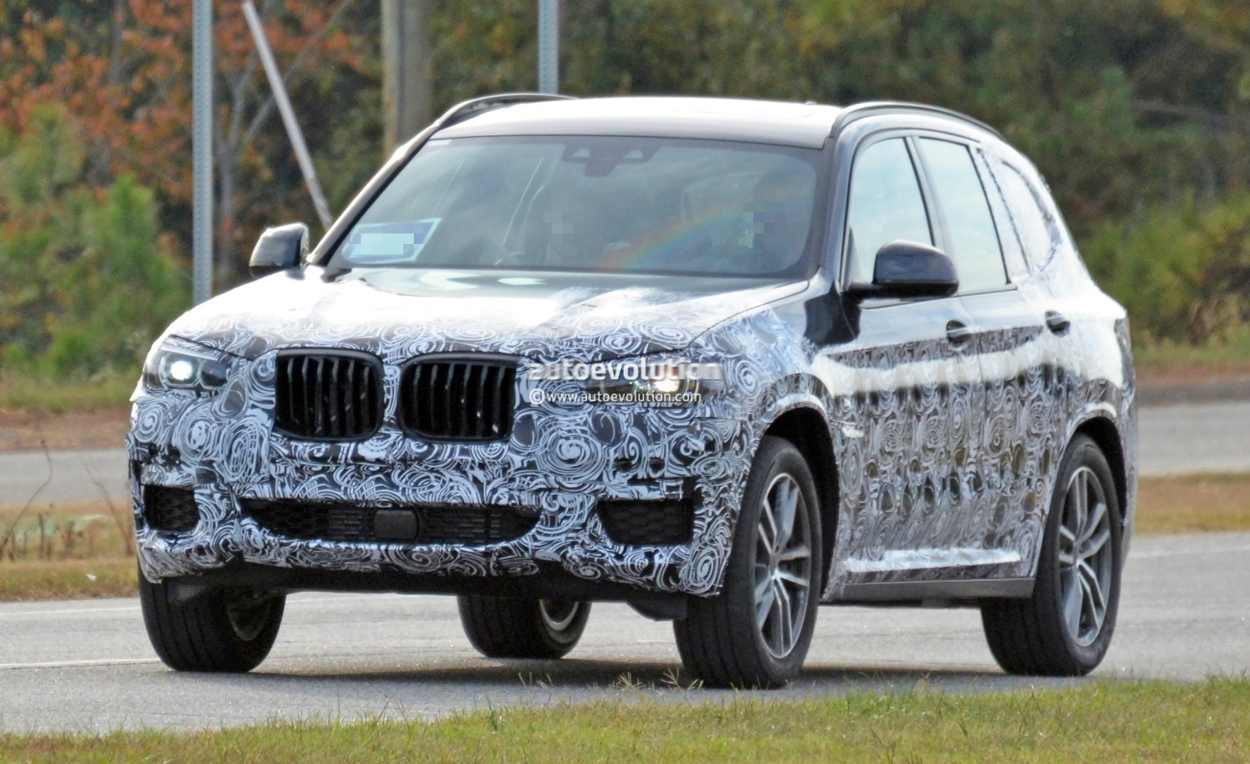 2016 - [BMW] X3 [G01] - Page 5 2018-bmw-x3-spied-at-spartanburg-plant-with-less-camouflage-shows-mature-design_13