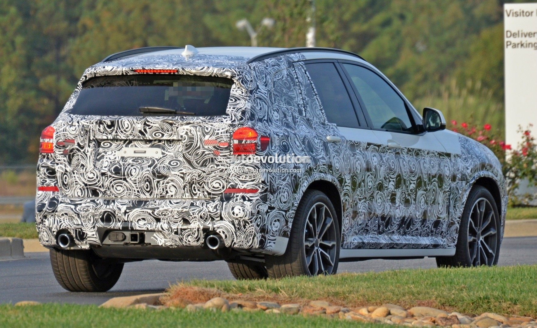 2016 - [BMW] X3 [G01] - Page 5 2018-bmw-x3-spied-at-spartanburg-plant-with-less-camouflage-shows-mature-design_14