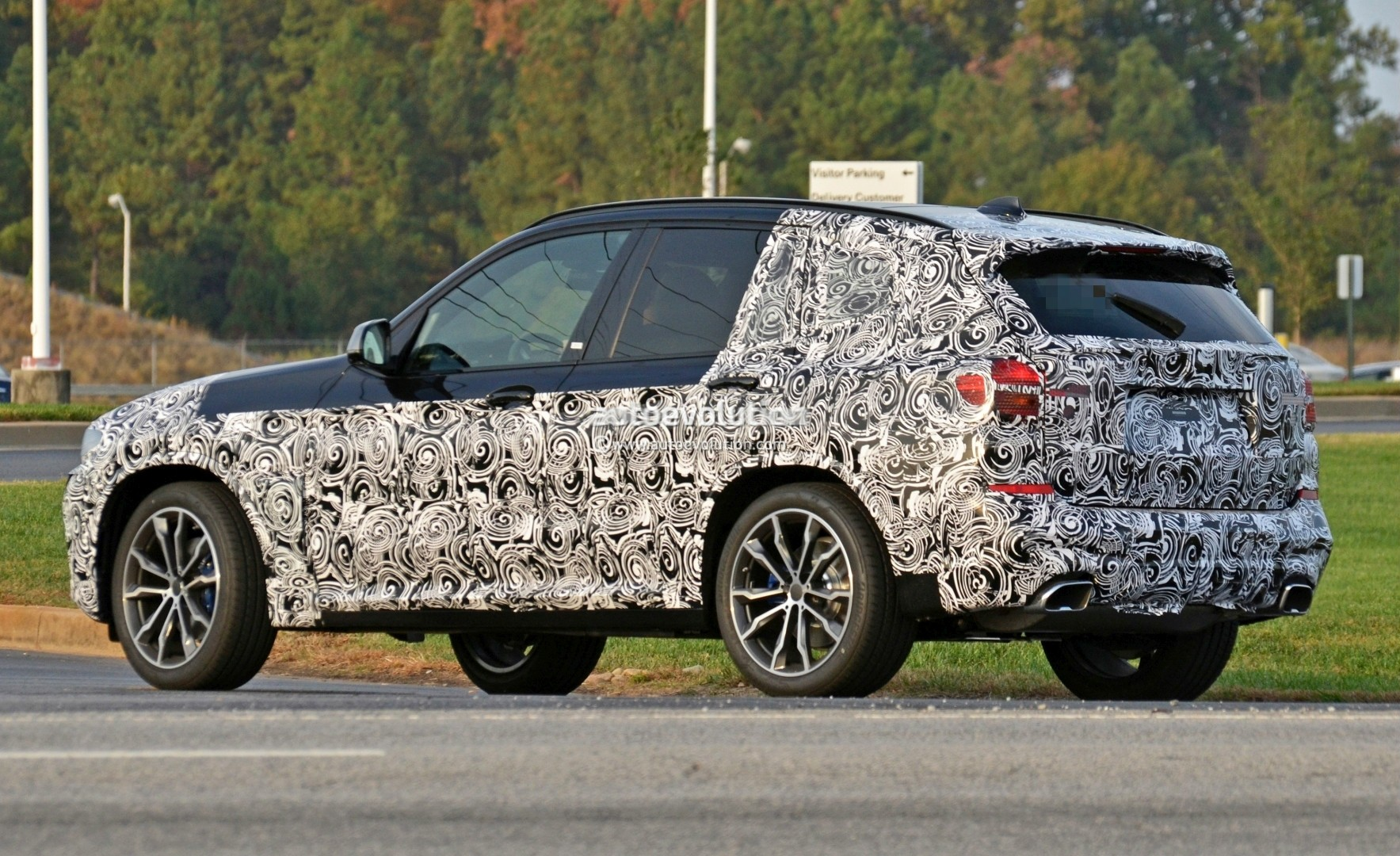 2016 - [BMW] X3 [G01] - Page 5 2018-bmw-x3-spied-at-spartanburg-plant-with-less-camouflage-shows-mature-design_9