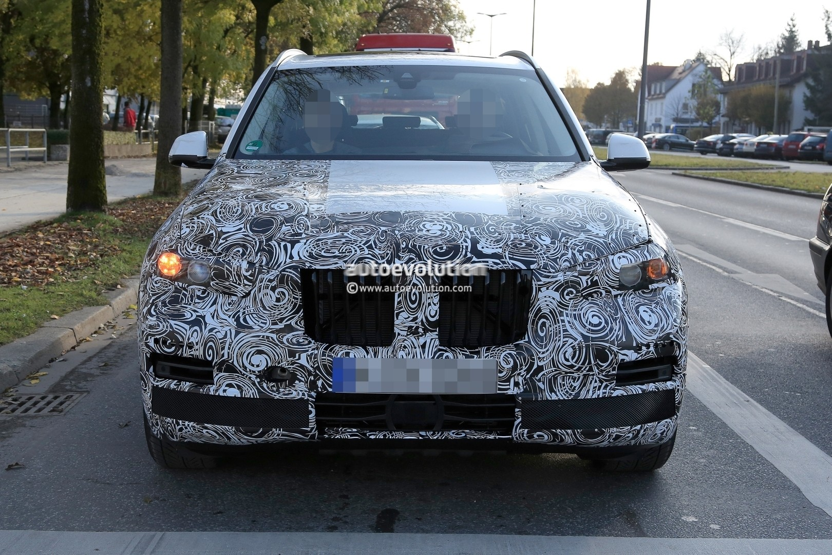 2018 - [BMW] X5 IV [G05] - Page 2 2018-bmw-x5-pre-production-prototype-first-spyshtos-reveal-huge-kidney-grilles_1