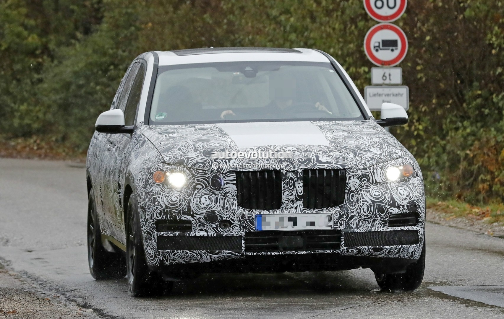 2018 - [BMW] X5 IV [G05] - Page 2 2018-bmw-x5-spied-will-offer-a-more-dynamic-design_1