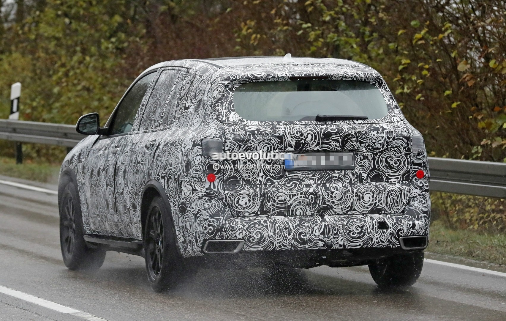 2018 - [BMW] X5 IV [G05] - Page 2 2018-bmw-x5-spied-will-offer-a-more-dynamic-design_12