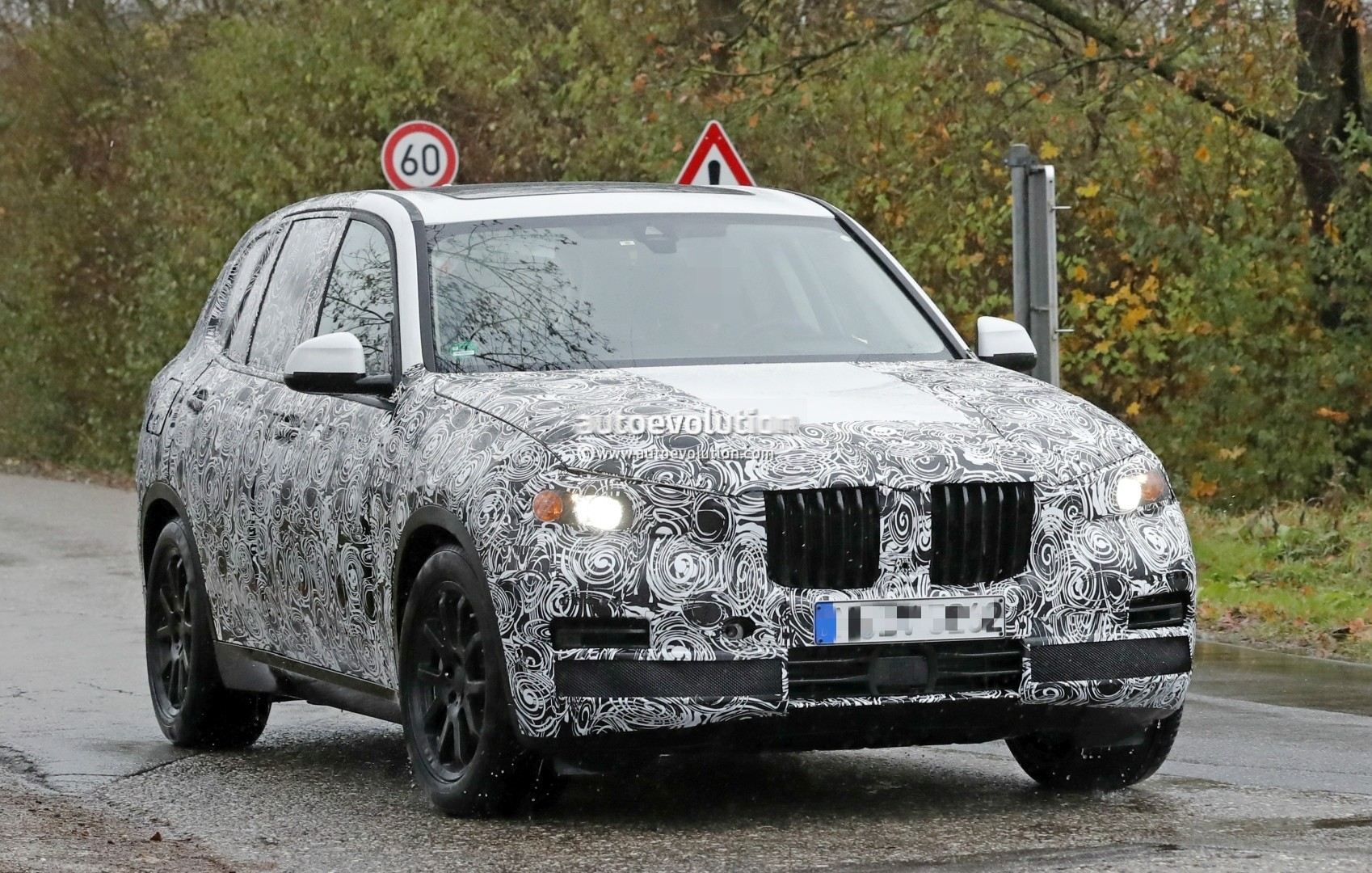 2018 - [BMW] X5 IV [G05] - Page 2 2018-bmw-x5-spied-will-offer-a-more-dynamic-design_2
