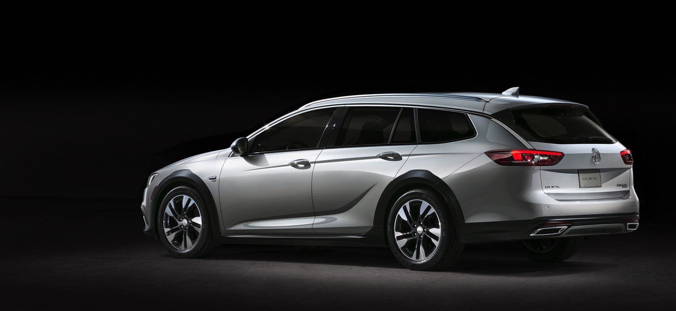 2018 buick regal gs leaks in china has 2 0t engine autoevolution. Black Bedroom Furniture Sets. Home Design Ideas