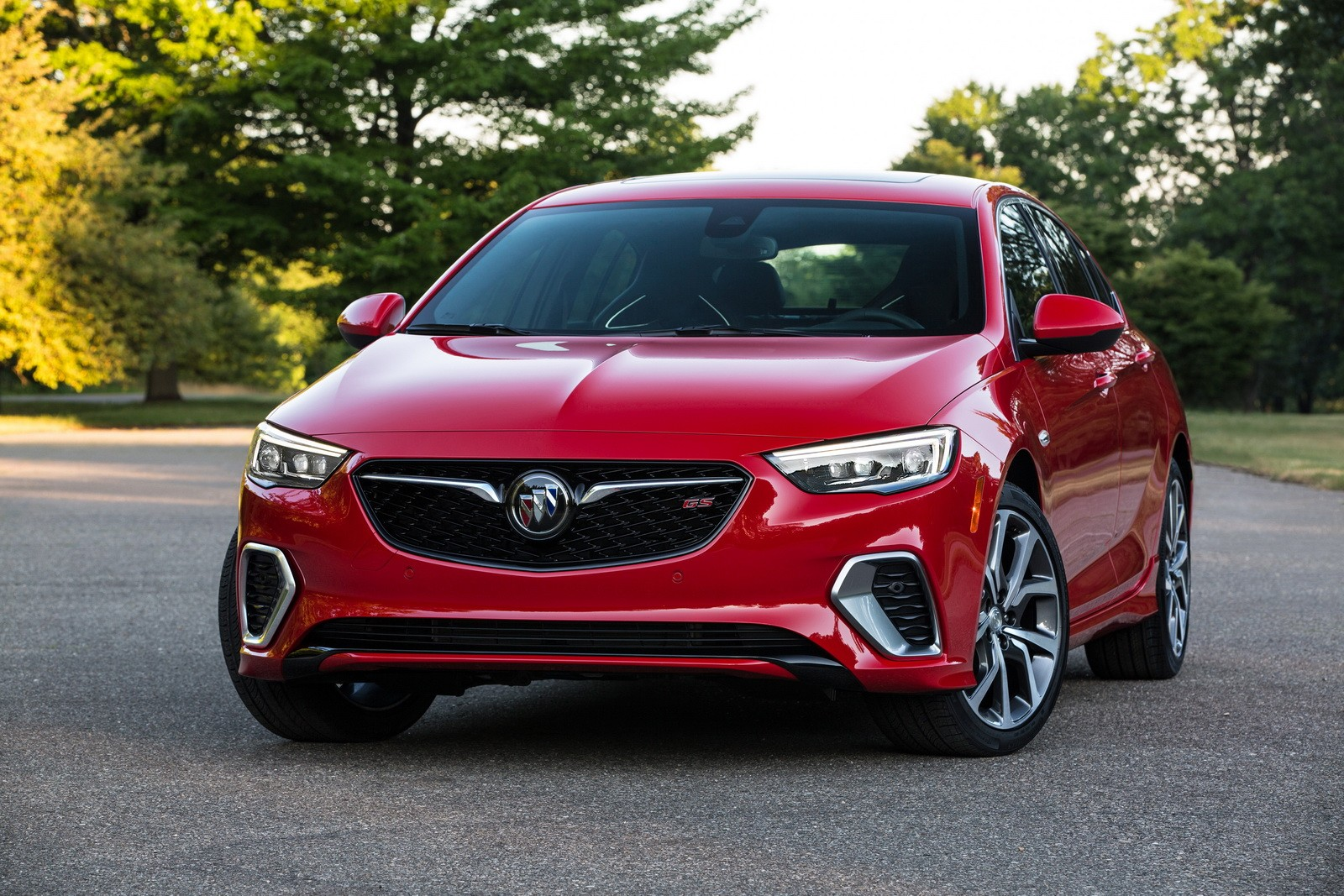 Honda Awd Sedan >> 2018 Buick Regal GS Revealed, Has 310 HP 3.6-Liter V6 and AWD - autoevolution