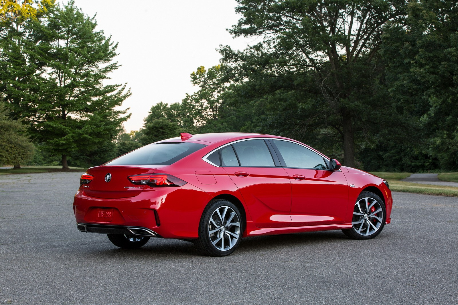 2018 buick regal gs revealed has 310 hp 3 6 liter v6 and awd autoevolution. Black Bedroom Furniture Sets. Home Design Ideas