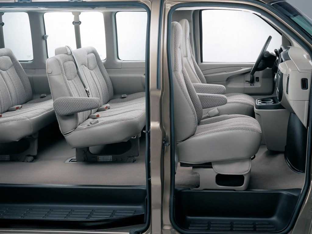 6 Passenger Vehicles >> Plug-In Hybrid Chevrolet Express, GMC Savana Coming in ...