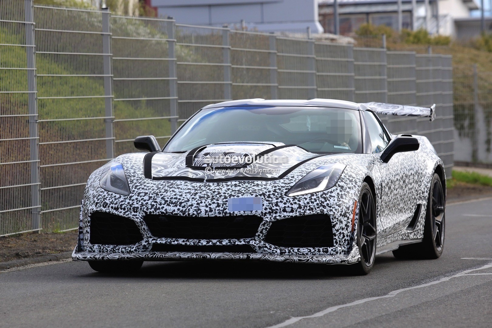 2018 chevrolet corvette zr1. exellent chevrolet 2018 chevrolet corvette zr1 spied near the nurburgring for chevrolet corvette zr1 r