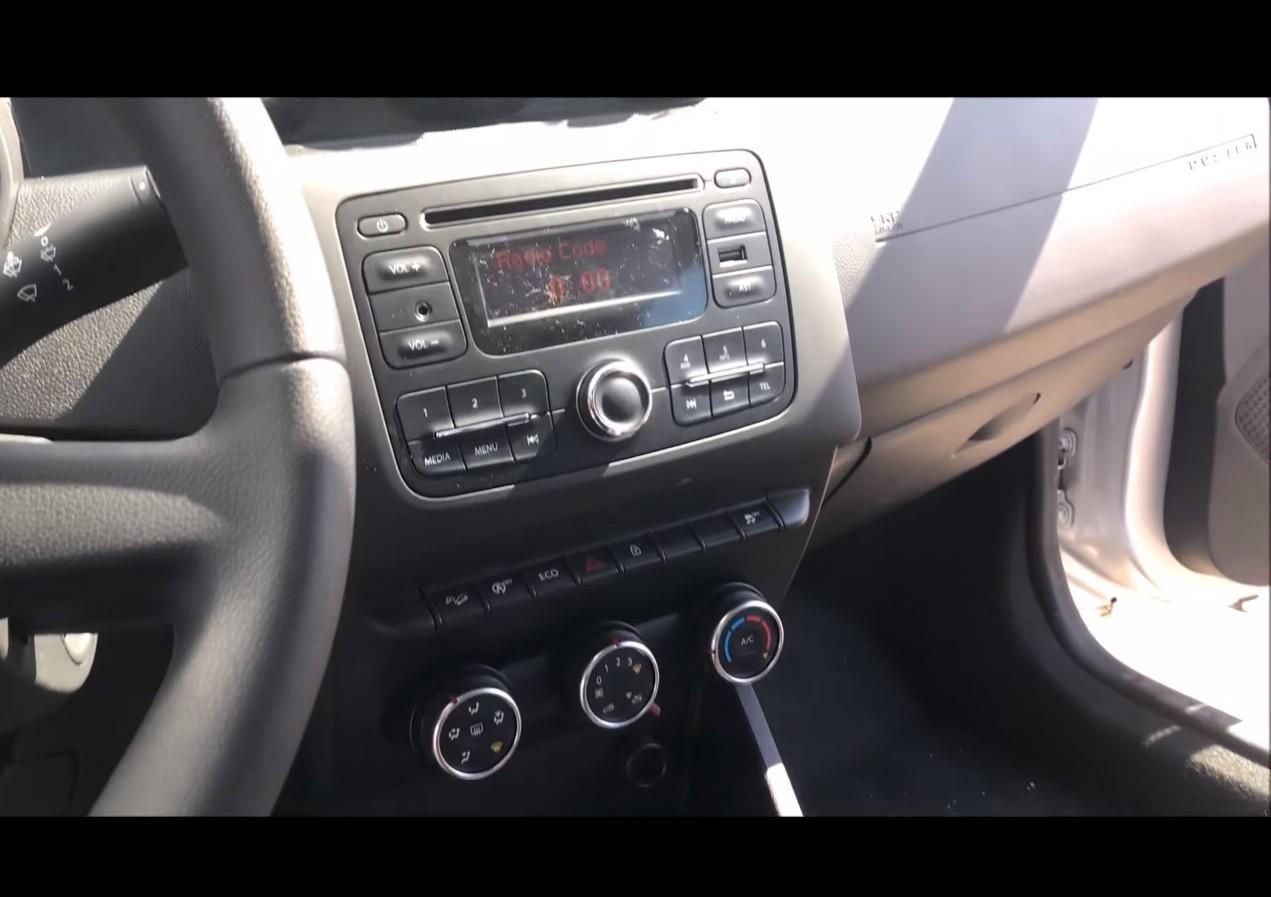 Dacia Pickup 2017 >> 2018 Dacia Duster Basic Infotainment System Unveiled (Hint: It's Basic) - autoevolution