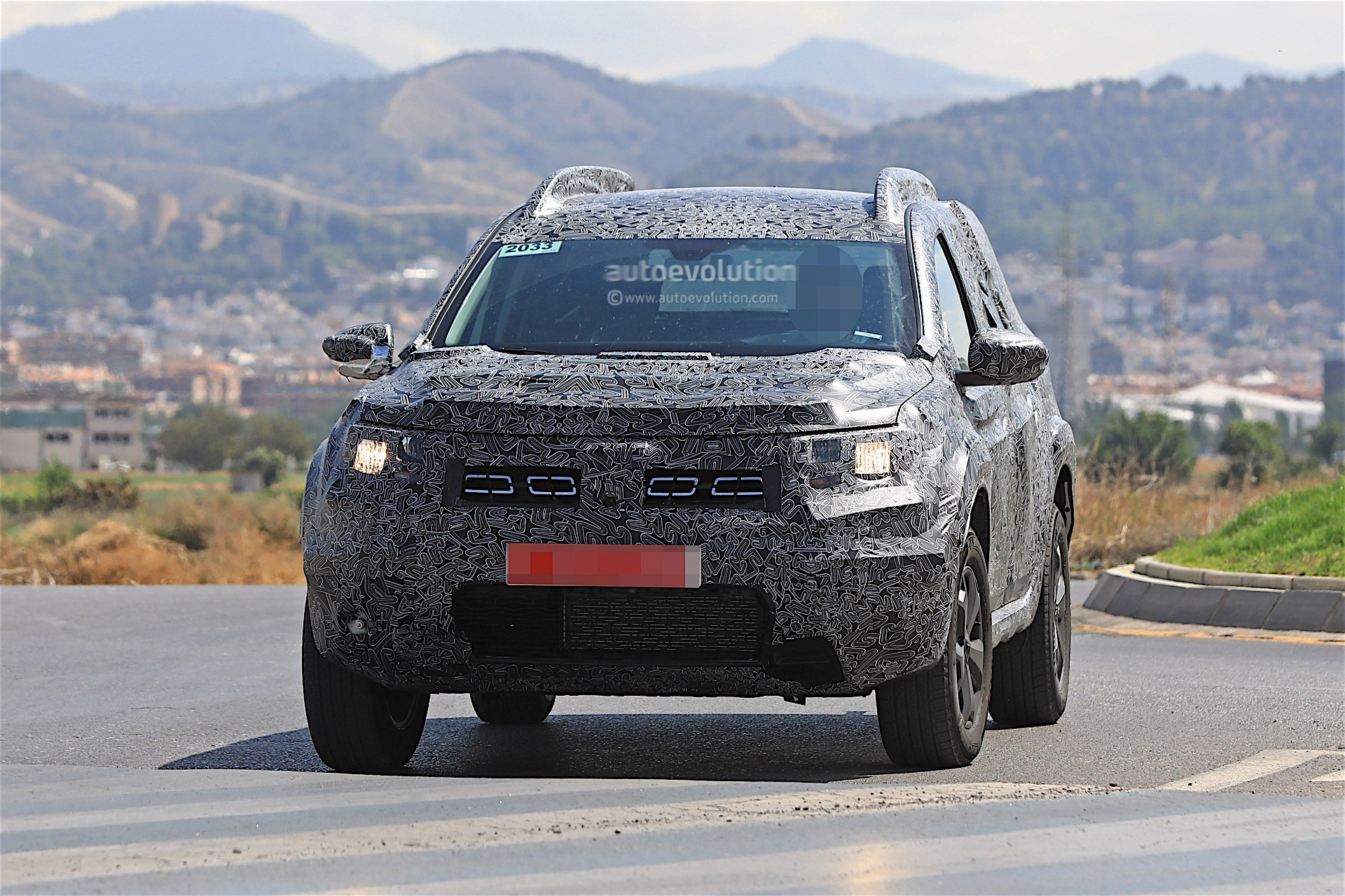 2018 dacia duster video teaser reveals nothing james may for Dacia duster 2018 uscita