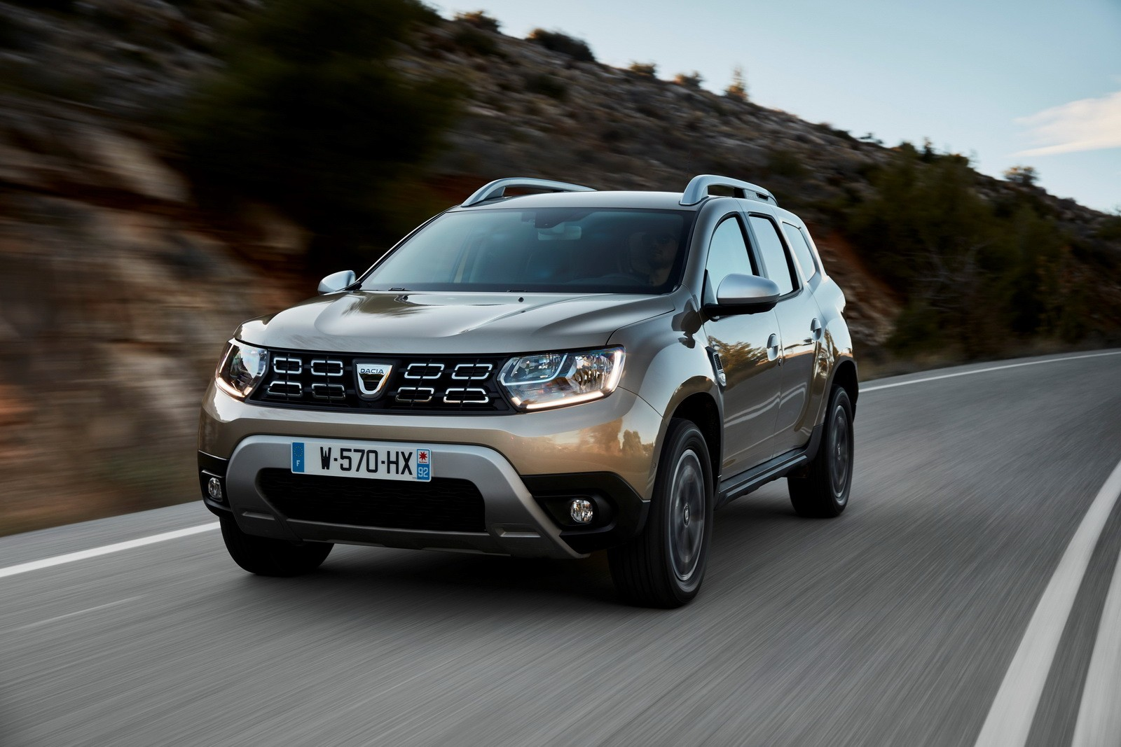 2018 dacia duster detailed in new photos and videos. Black Bedroom Furniture Sets. Home Design Ideas