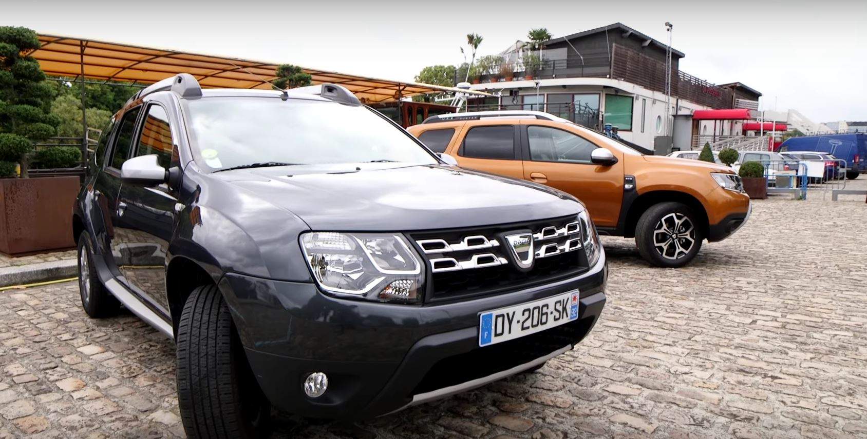 2018 dacia duster faces its predecessor in first review. Black Bedroom Furniture Sets. Home Design Ideas