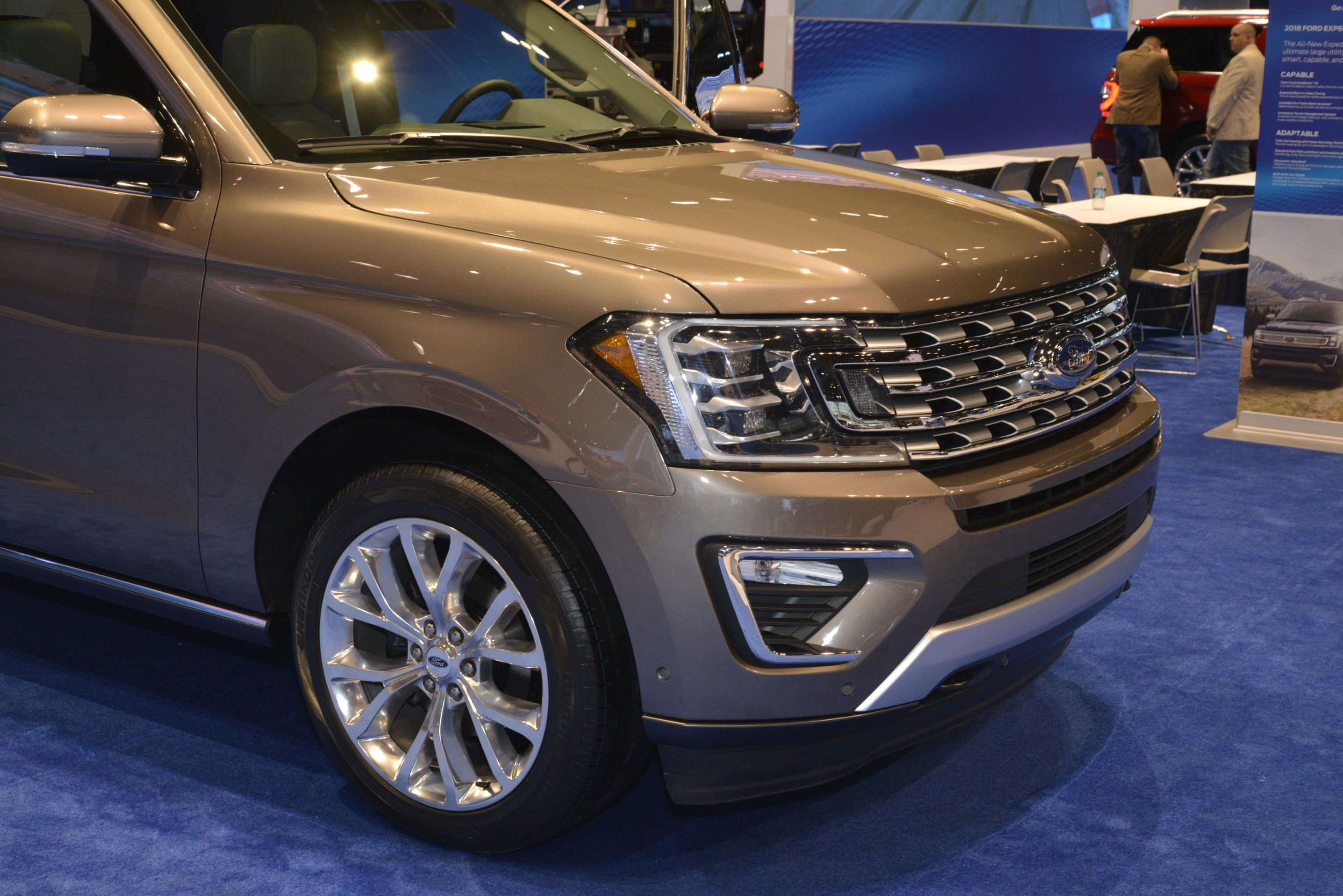 2018 Expedition is Ford's Range Rover at the Chicago Auto ...