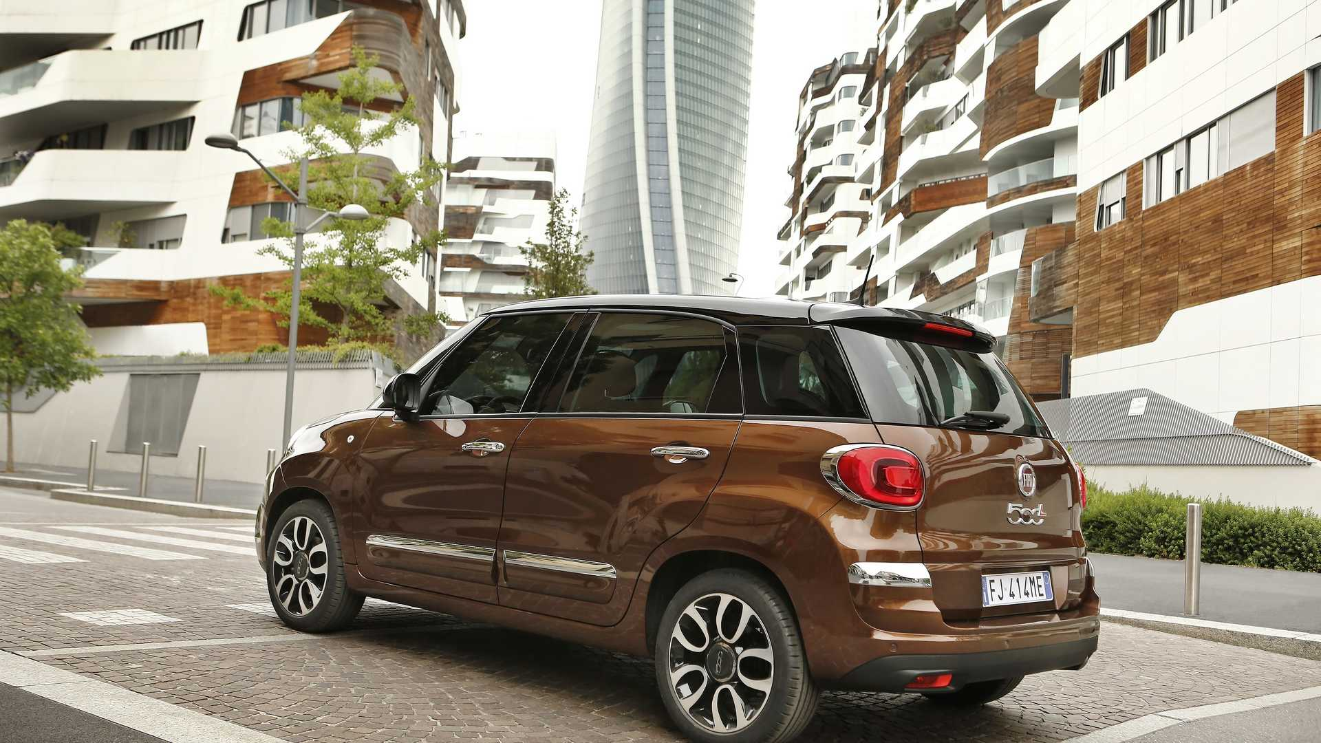 2018 fiat 500l updated with 40 new parts