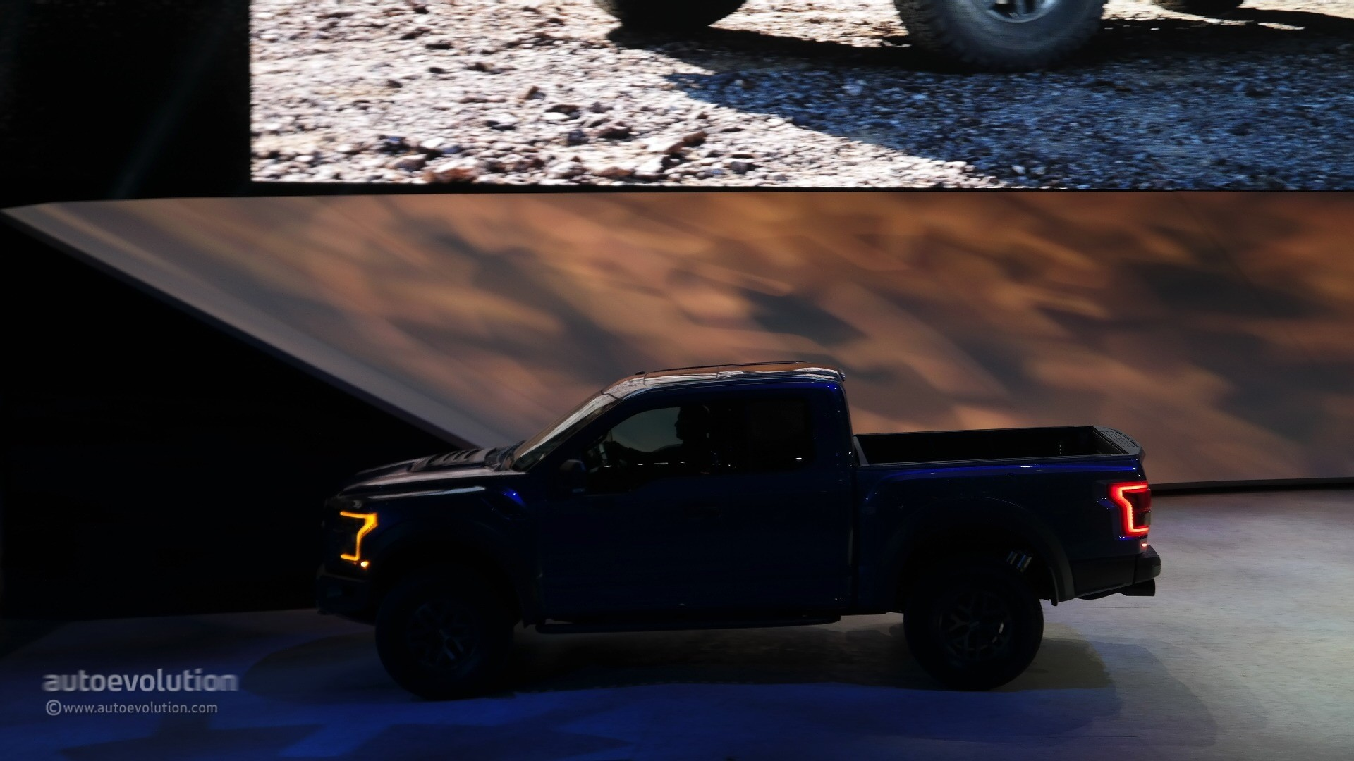 Report: 2018 Ford F-150 Raptor Getting New Rear Suspension and Tailgate - autoevolution