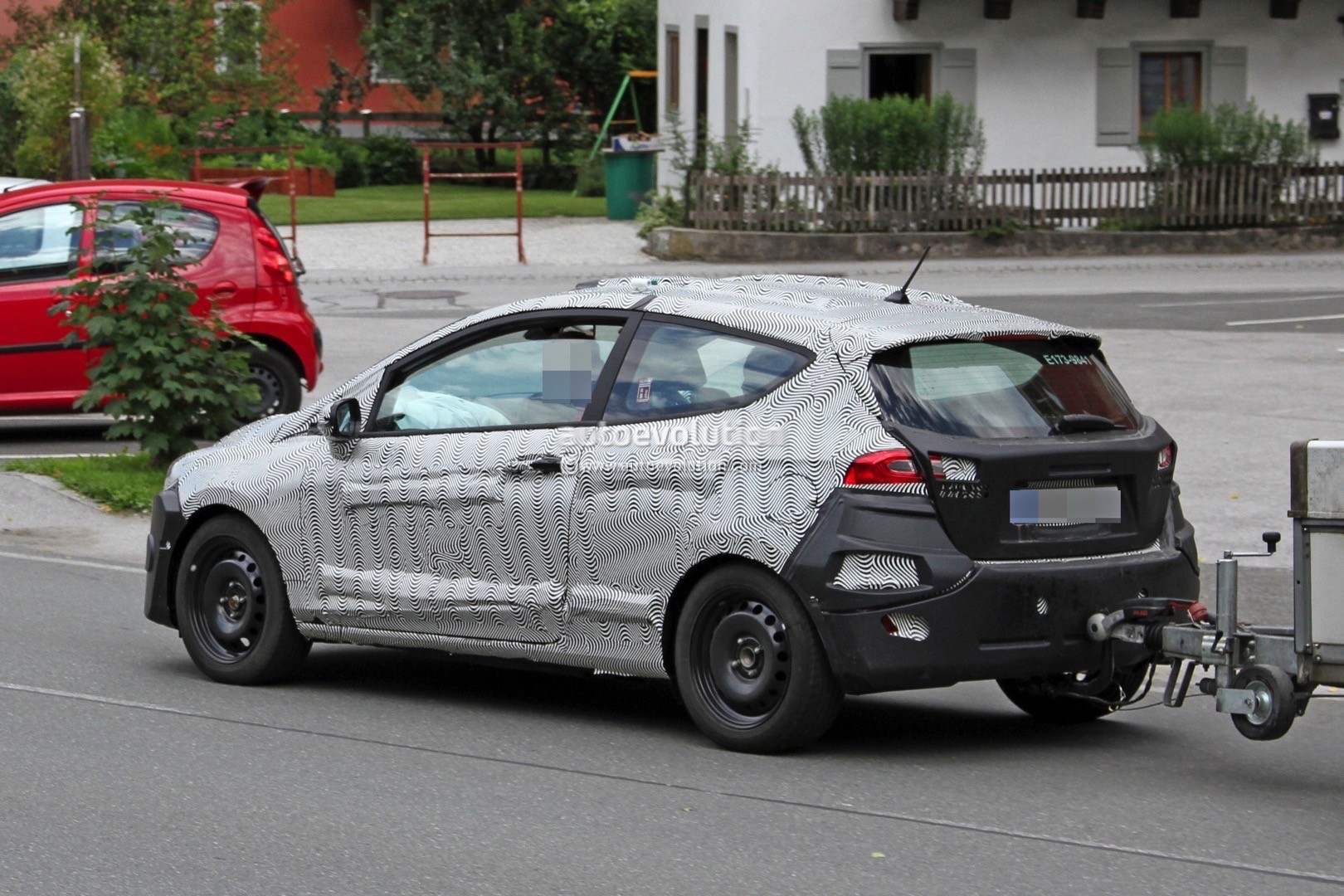 Focus St Towing >> 2018 Ford Fiesta Mk7 Spied Towing Its Little Heart Out - autoevolution