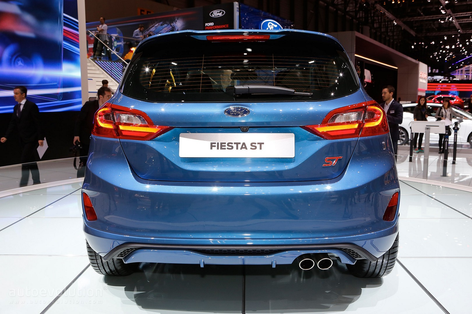 2018 ford fiesta st goes live in geneva has it got enough cylinders autoevolution. Black Bedroom Furniture Sets. Home Design Ideas