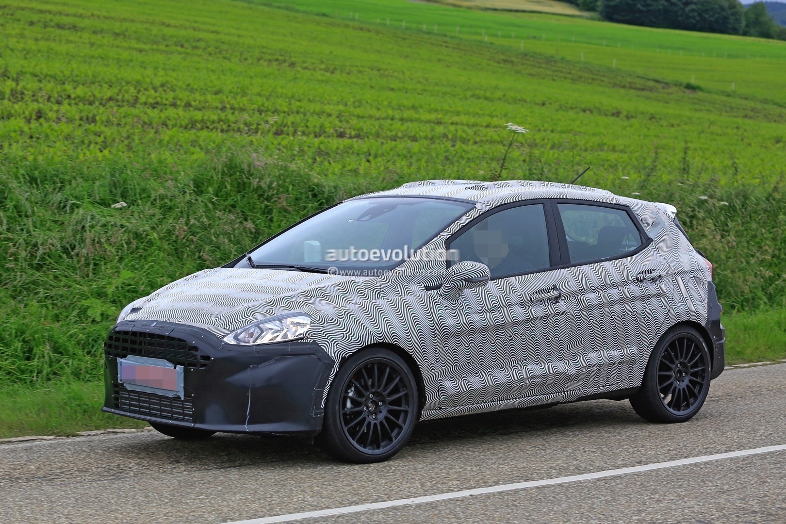 2018 ford fiesta st spied benchmarking against current fiesta st autoevolution. Black Bedroom Furniture Sets. Home Design Ideas