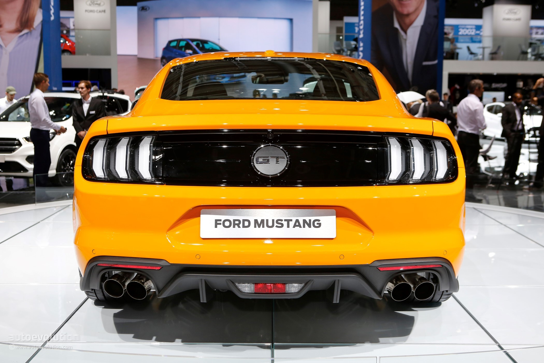 2018 ford mustang facelift puts on its european clothes in frankfurt autoevolution. Black Bedroom Furniture Sets. Home Design Ideas