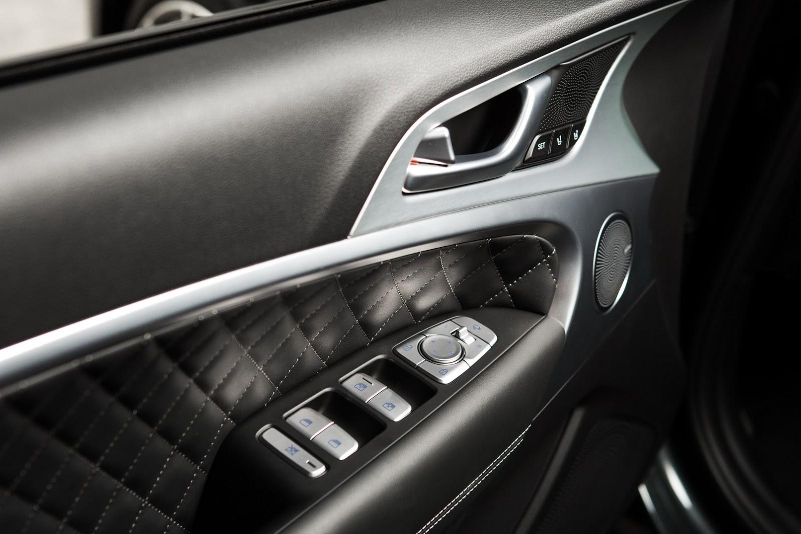 2018 genesis g70 sports sedan goes official looks fairly premium autoevolution. Black Bedroom Furniture Sets. Home Design Ideas