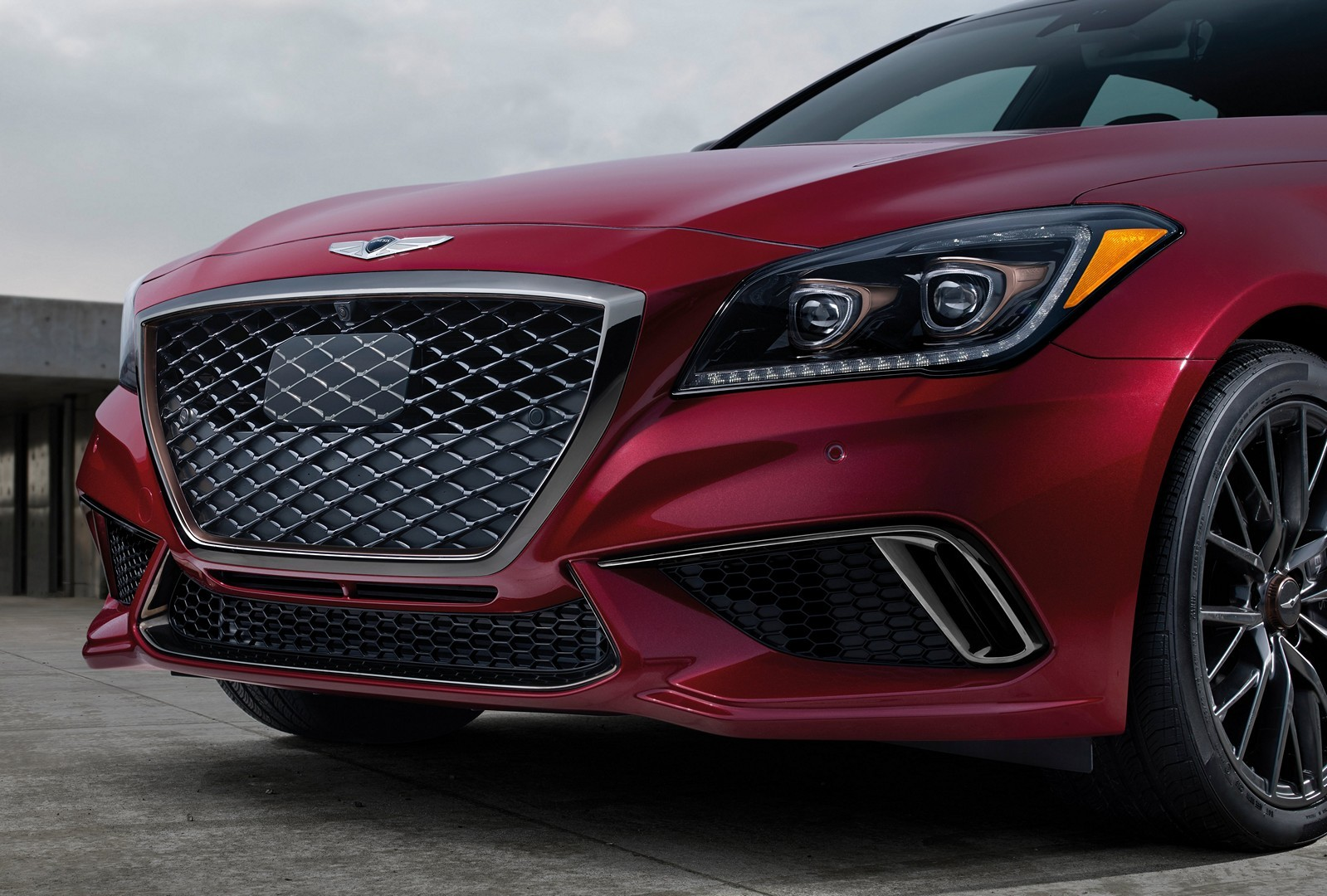2018 genesis g80 sport shows off in new videos and photos autoevolution. Black Bedroom Furniture Sets. Home Design Ideas