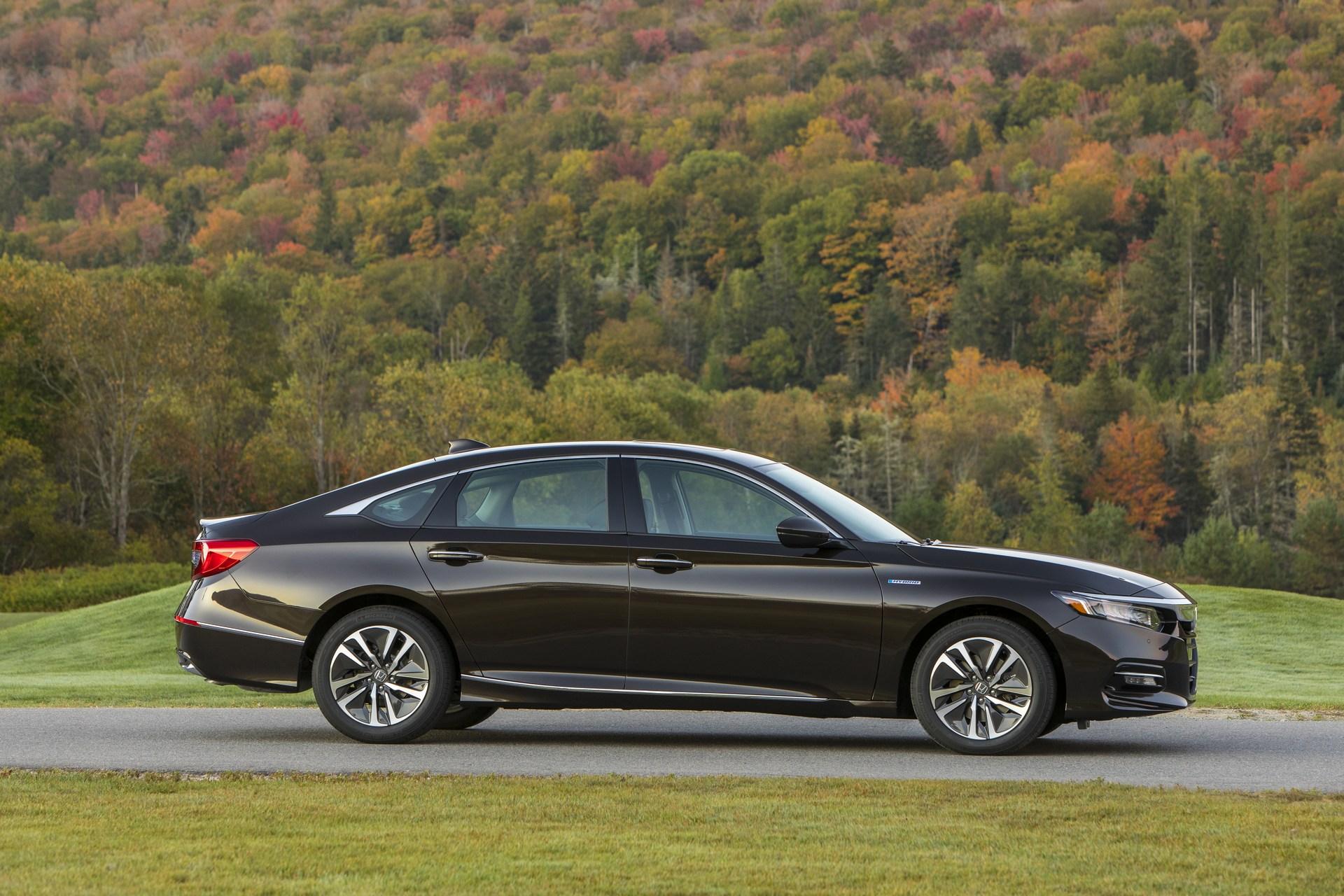 Honda Accord 2018 Spec >> 2018 Honda Accord Hybrid Is Really Cheap, Starts at $25,100 - autoevolution