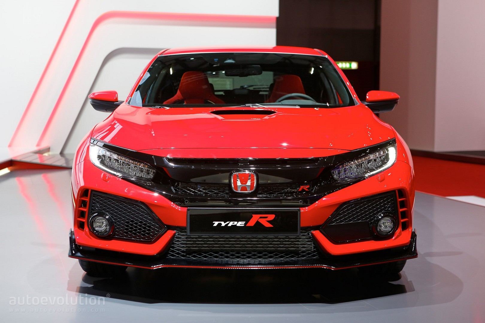 2018 honda civic type r makes production debut in geneva packs 320 hp autoevolution. Black Bedroom Furniture Sets. Home Design Ideas