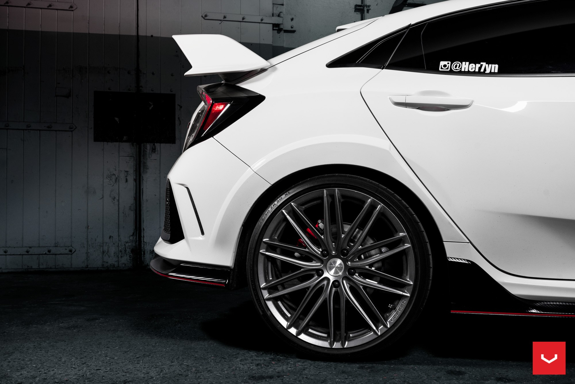 Novo Honda Civic Type R >> 2018 Honda Civic Type R Twins Get Vossen Hybrid Forged Wheels - autoevolution