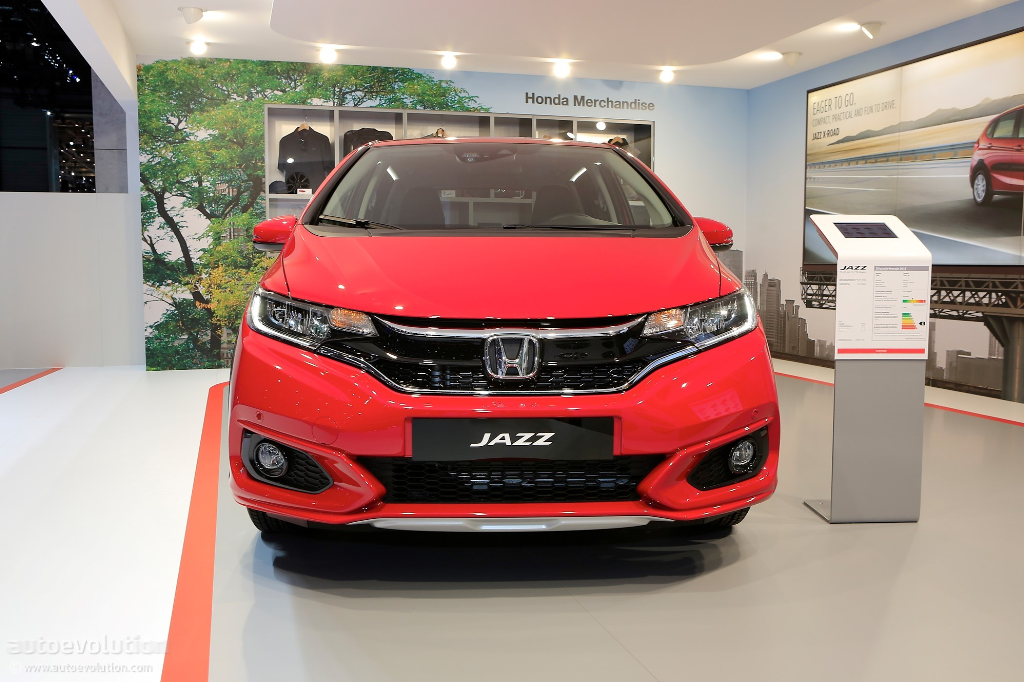 2018 honda jazz gets its rather disappointing x road suit on for geneva autoevolution. Black Bedroom Furniture Sets. Home Design Ideas