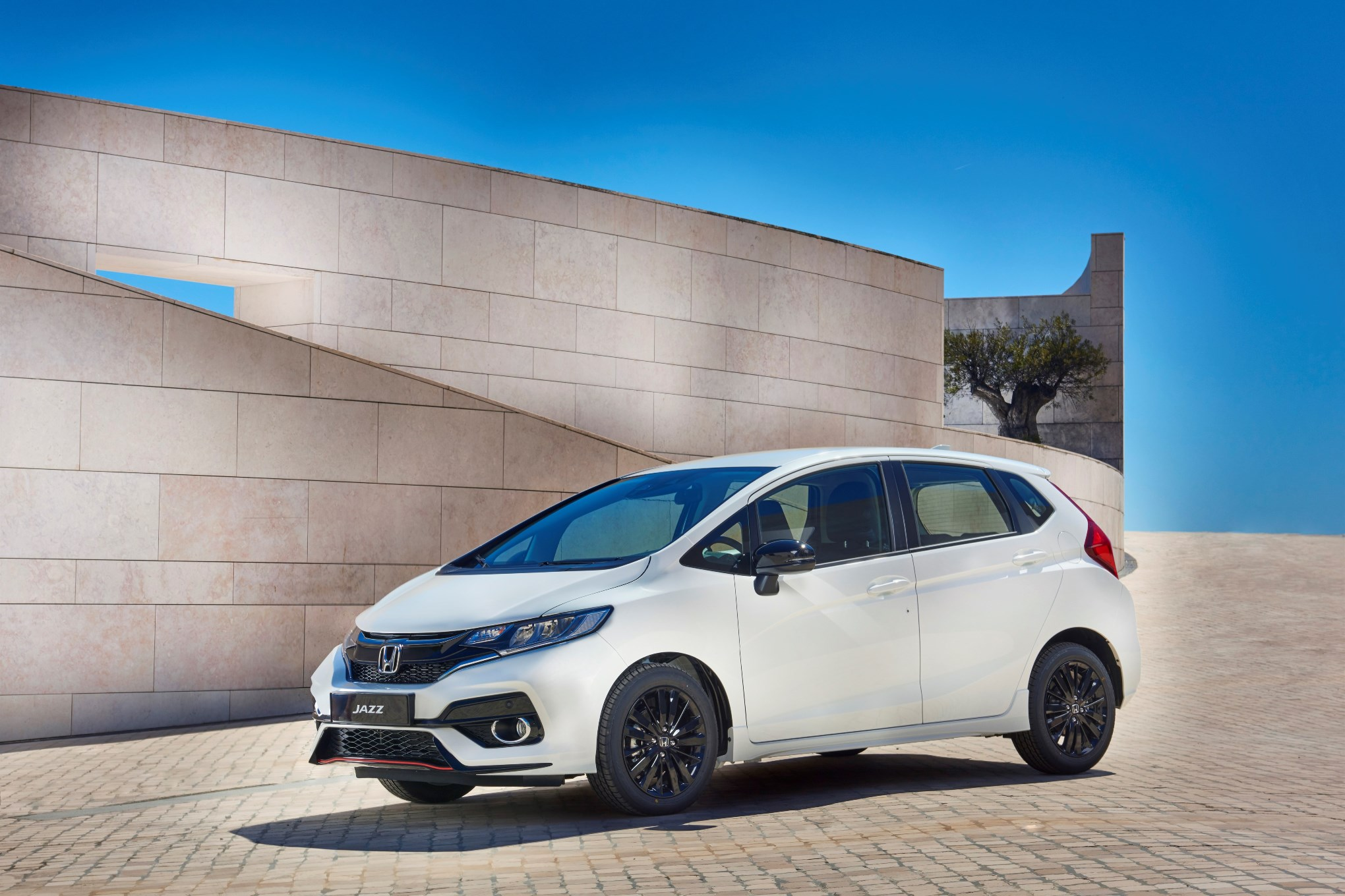 Honda Jazz Facelift Unveiled Ahead Of Debut