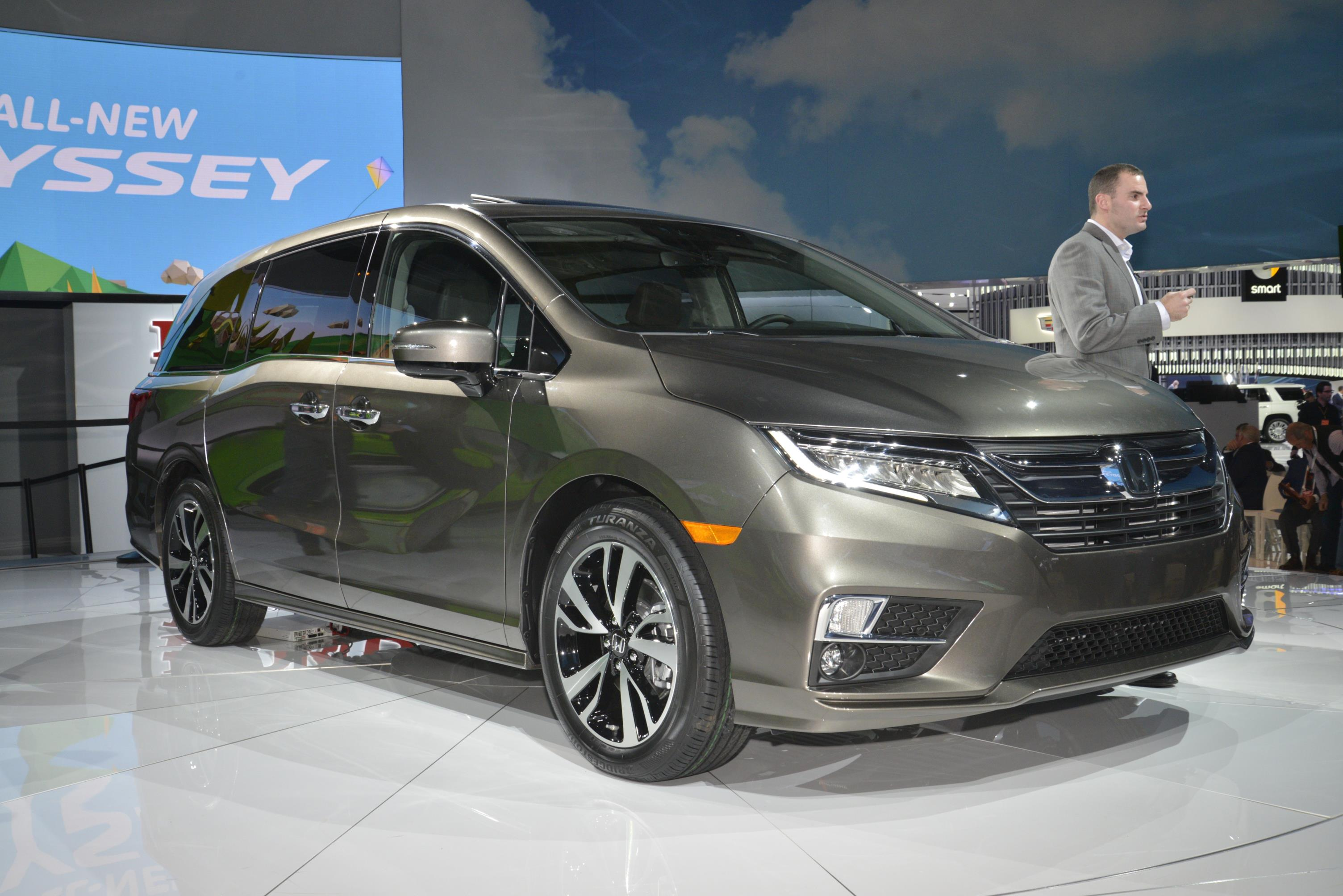 2018 Honda Odyssey Shows The Chrysler Pacifica How It S