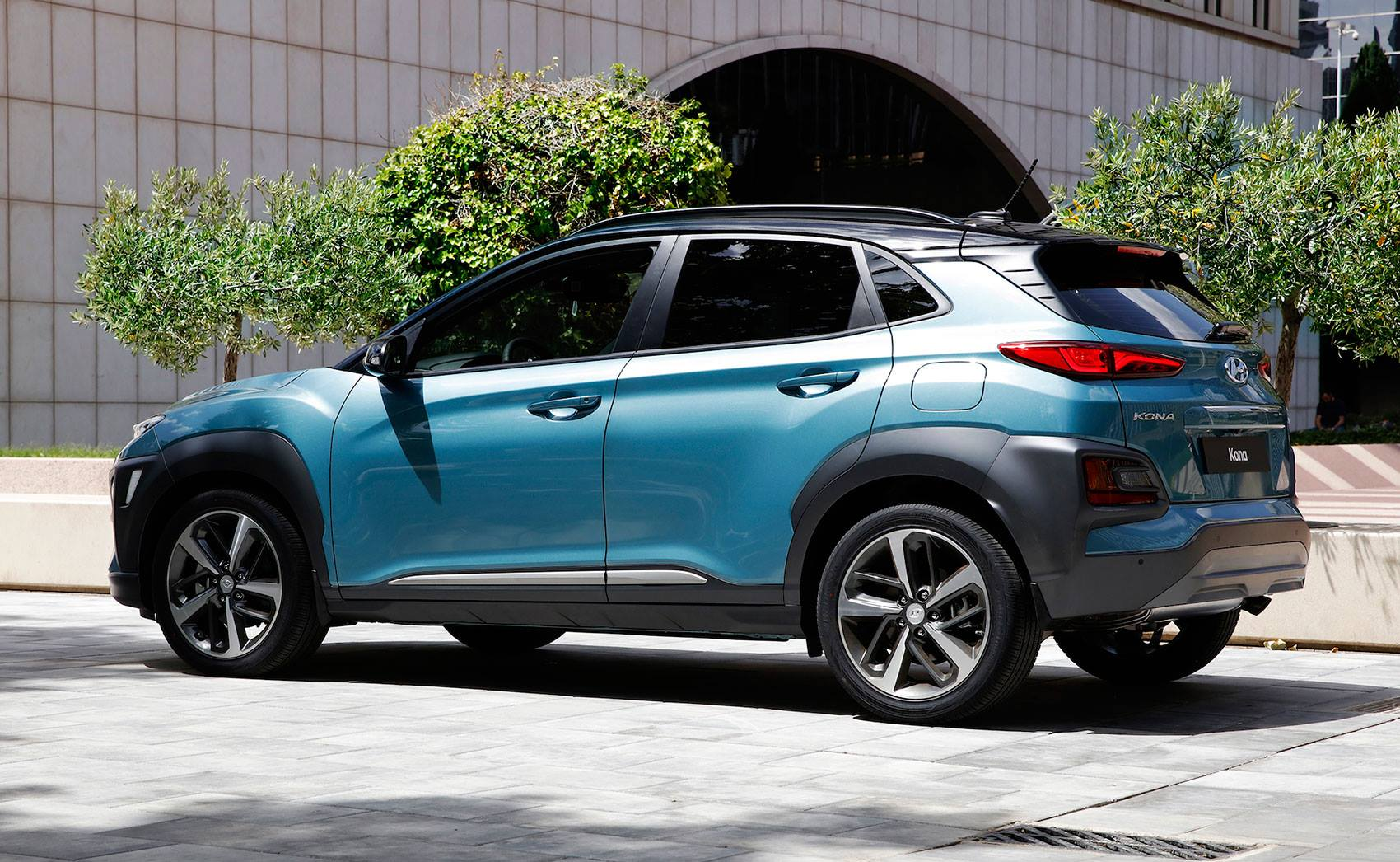 2018 Hyundai Kona Revealed It Is The Brand S Juke Fighter
