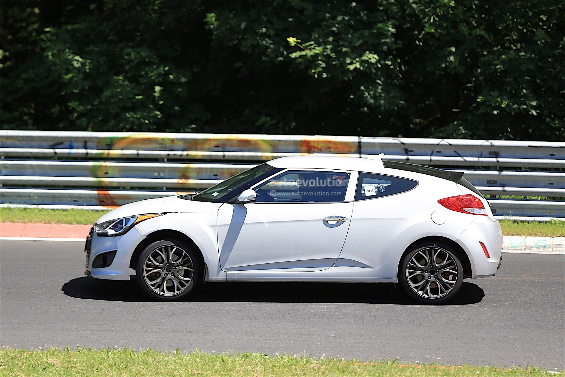 2018 Hyundai Veloster Spied Could Get Independent Rear