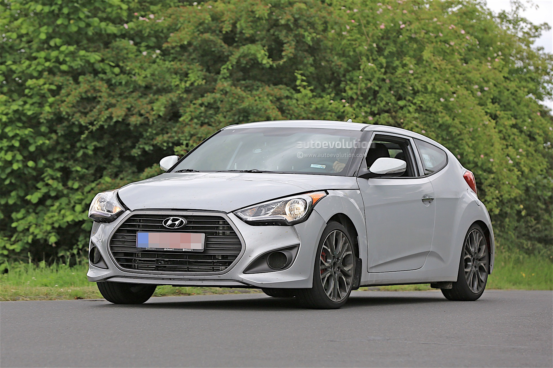 Hyundai Sonata Hybrid 2018 >> 2018 Hyundai Veloster Spied, Could Get Independent Rear Suspension - autoevolution