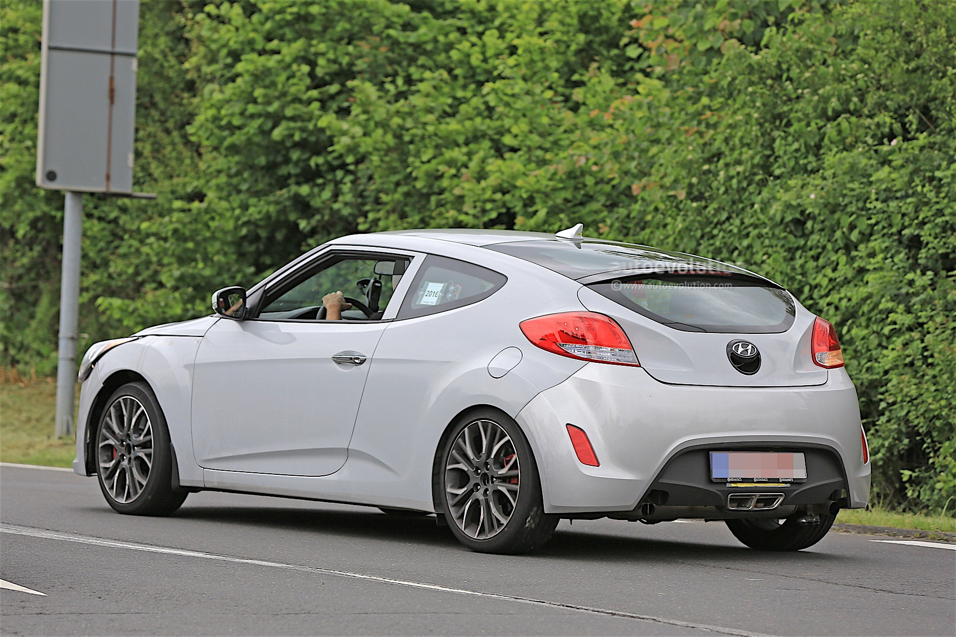 2018 hyundai veloster spied could get independent rear. Black Bedroom Furniture Sets. Home Design Ideas