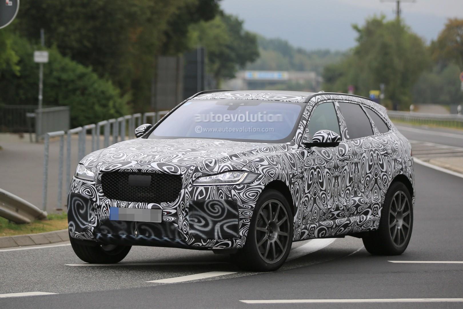 2015 - [Jaguar] F-Pace - Page 14 2018-jaguar-f-pace-svr-blitzes-the-nurburgring-circuit_3