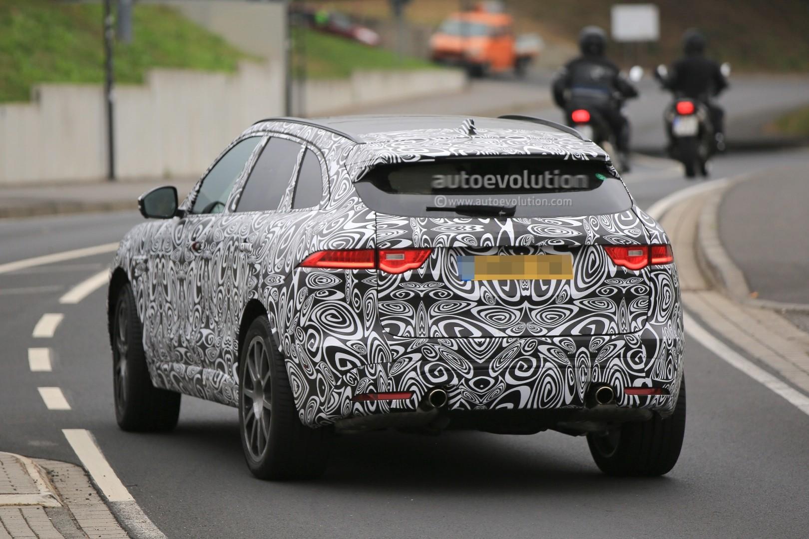 2015 - [Jaguar] F-Pace - Page 14 2018-jaguar-f-pace-svr-blitzes-the-nurburgring-circuit_9