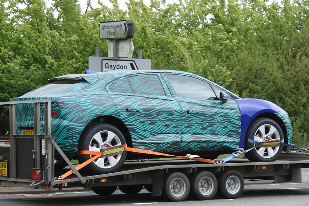 2018 jaguar crossover. delighful 2018 2018 jaguar ipace in production guise for jaguar crossover