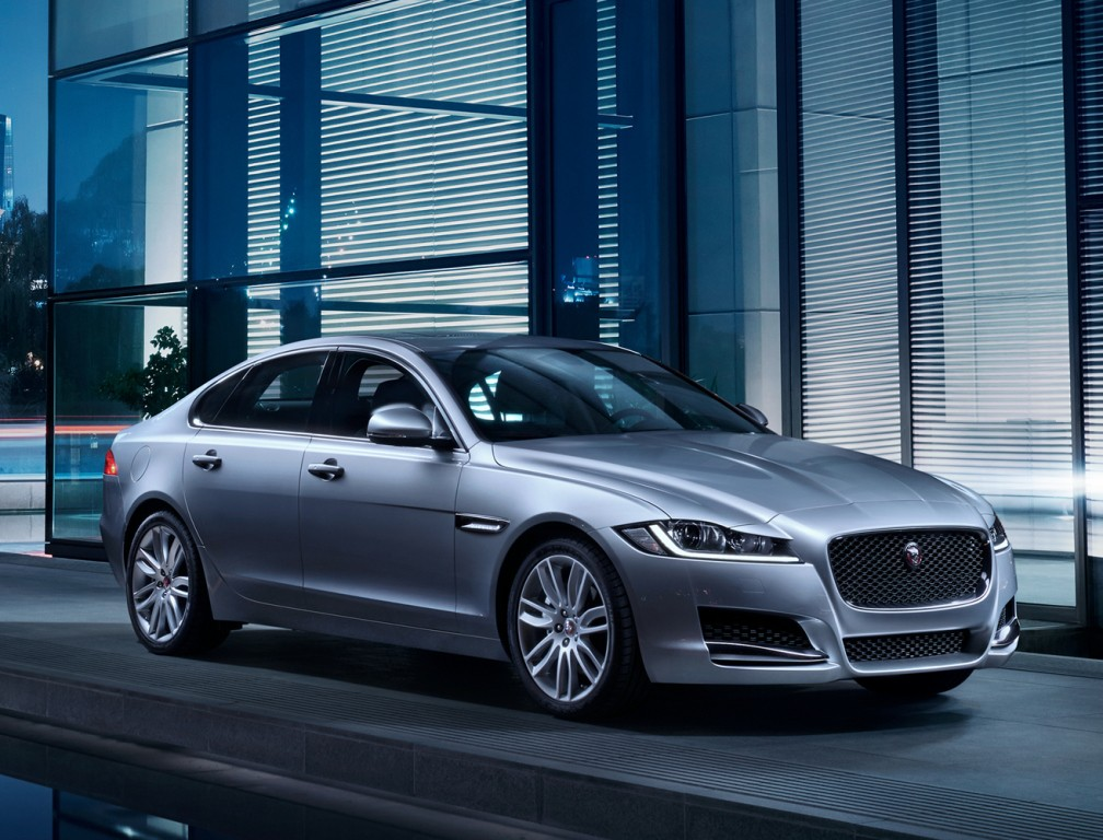 2018 jaguar xf s sportbrake caught off guard at the. Black Bedroom Furniture Sets. Home Design Ideas