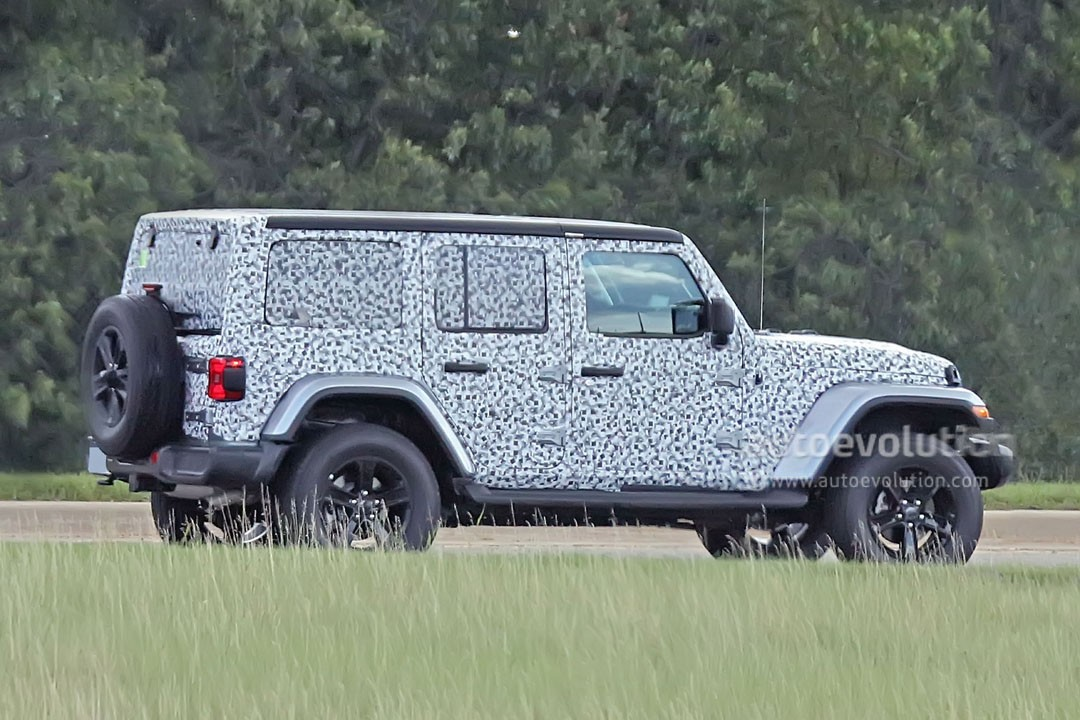 Spyshots 2018 Jeep Wrangler Jlu Drops Frontal Camo Looks Familiar Autoevolution