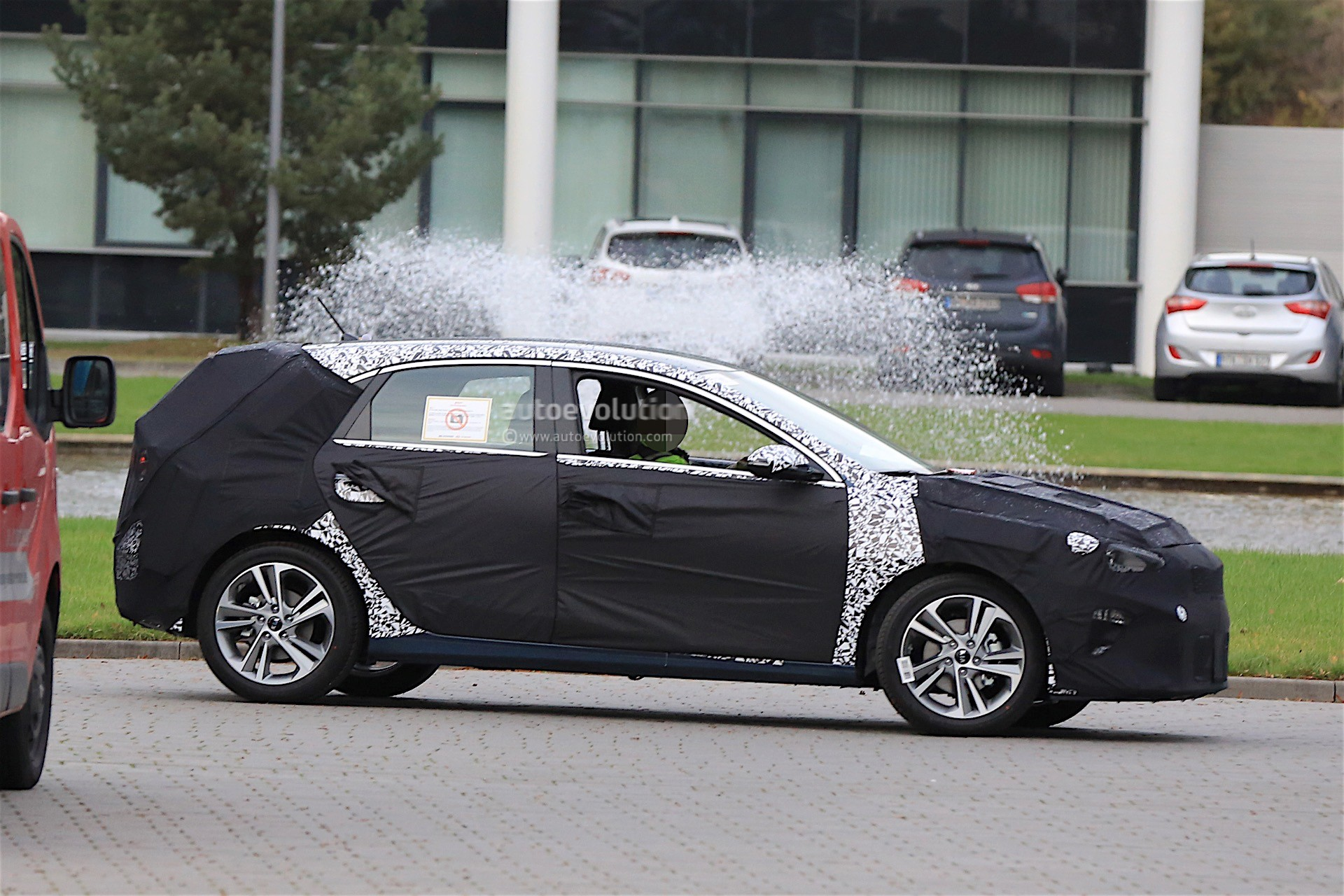 2018 Kia Cee'd Caught On Video Next To New Hyundai i30 And ...