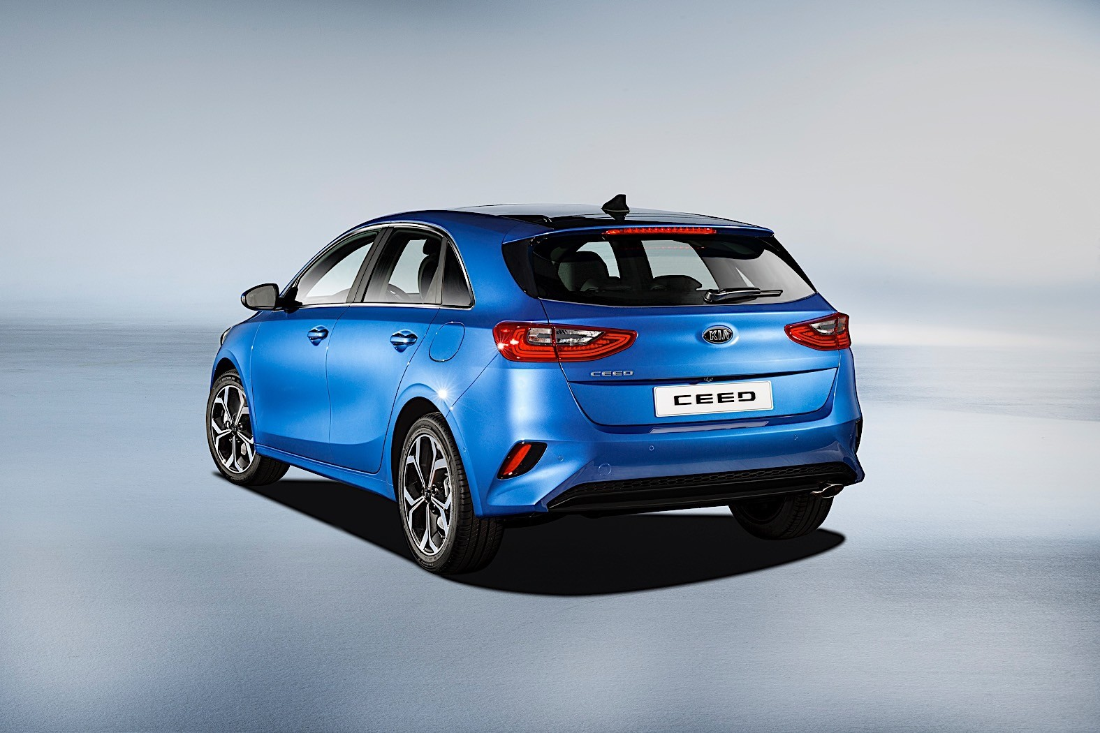 2018 kia ceed going mild hybrid plug in hybrid considered. Black Bedroom Furniture Sets. Home Design Ideas
